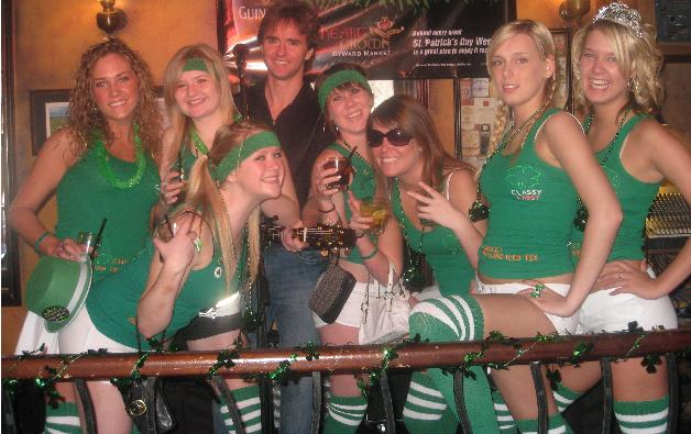 Paddy's Day Girls at The Heart and Crown 2008